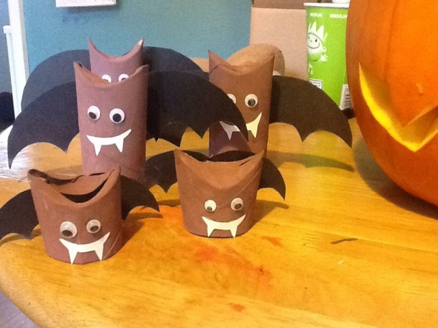 9 Halloween Craft Projects for Kids - recycled toilet roll tube bats